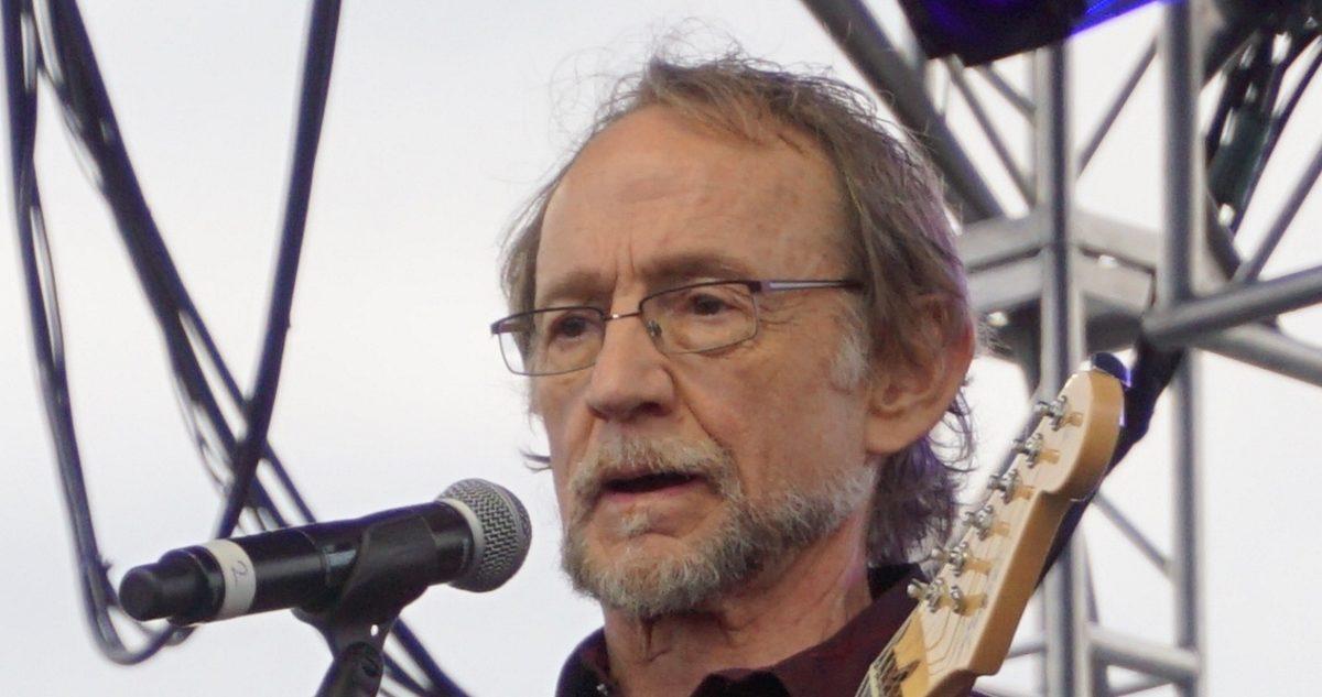 Morre Peter Tork, baixista e vocalista dos Monkees –