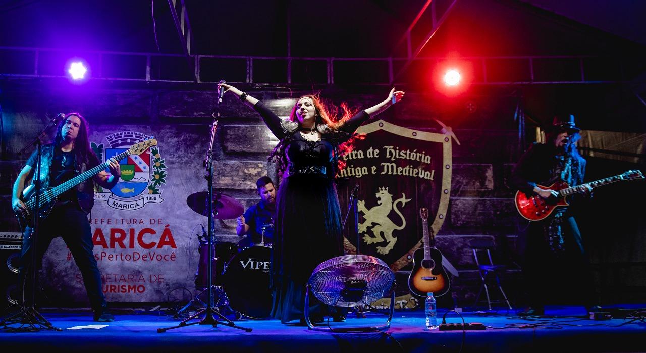 Lyria (crédito Roberta Guido) foi a principal atração da Feira de História Antiga e Medieval, em Maricá