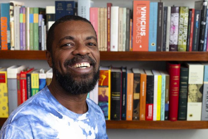 Oi Futuro apresenta exposição do poeta carioca Paulo Sabino   Agenda   Revista Ambrosia